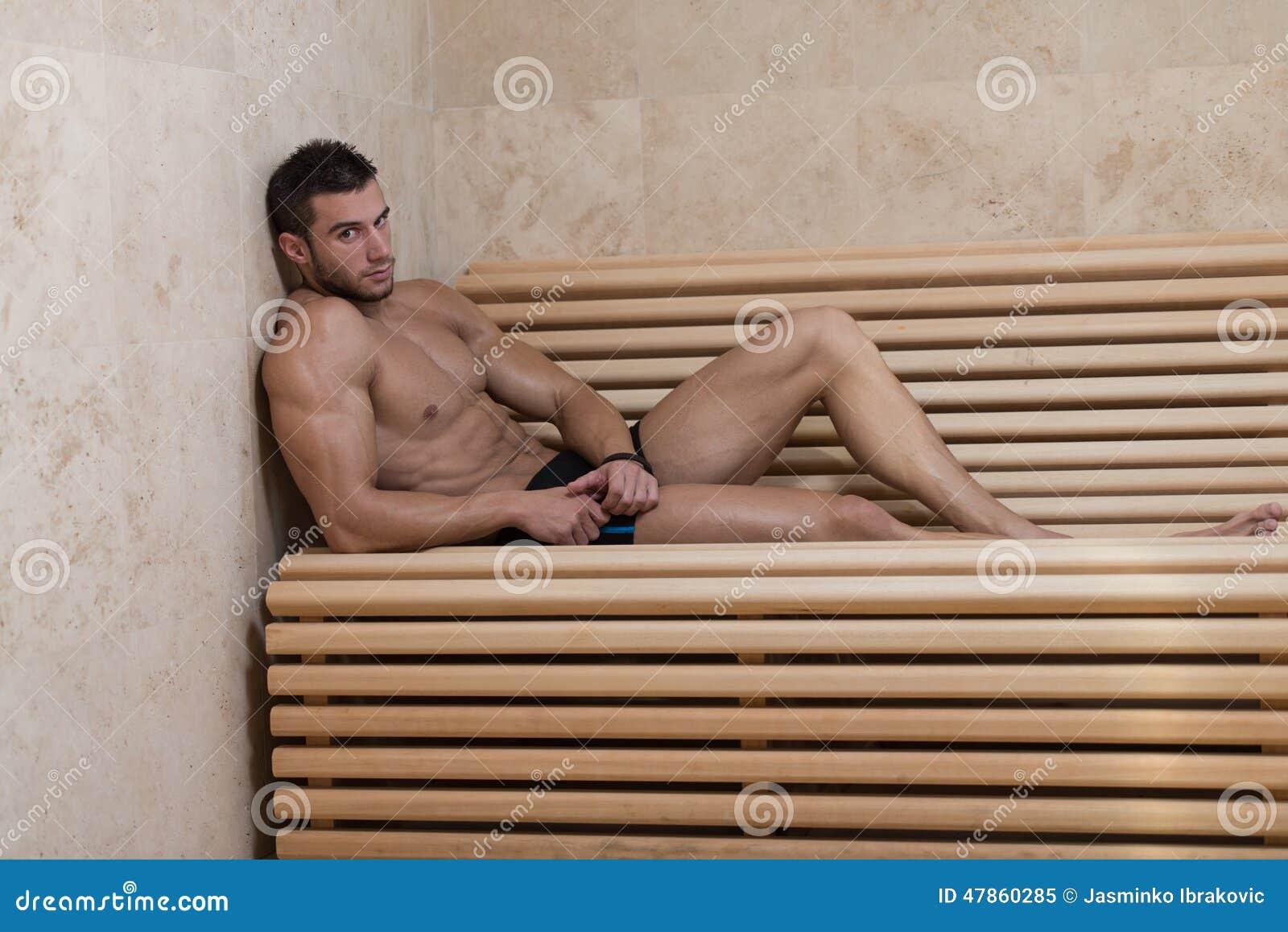 sauna männer nackt