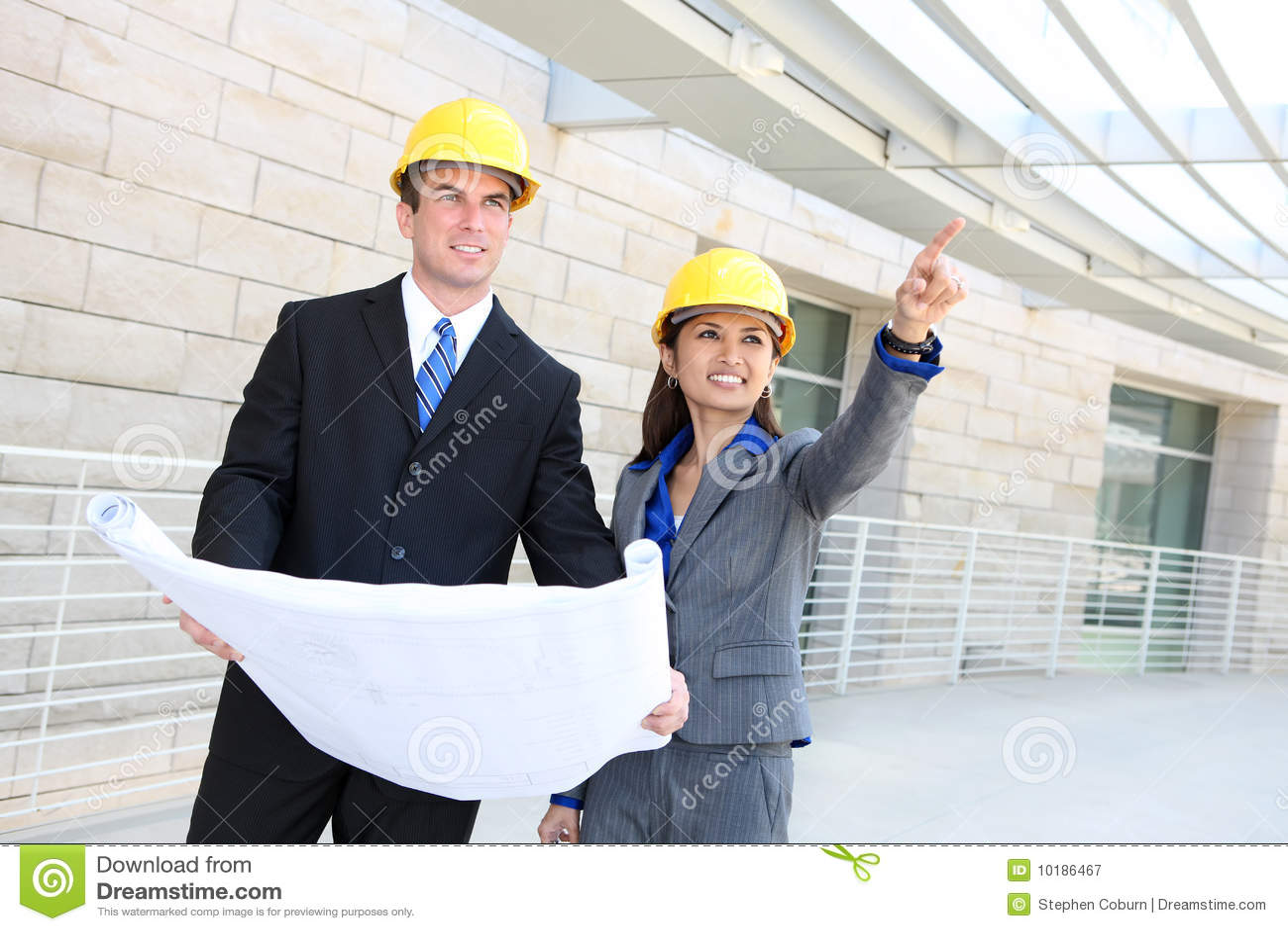 Mann-und Frauen-Aufbau-Team