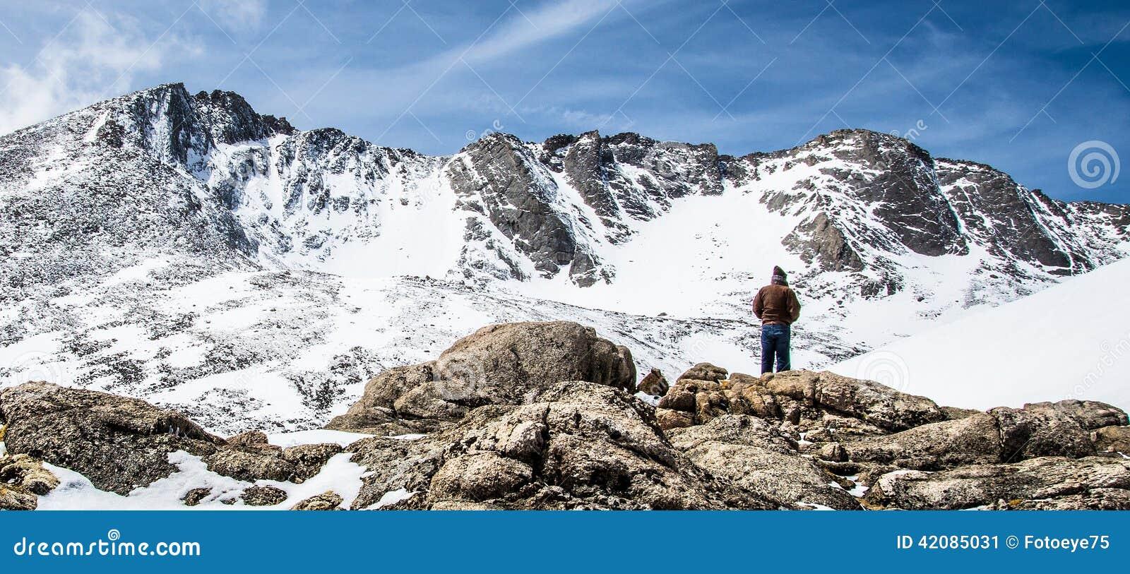 Mann-Wanderer-Unterlassungsberg Evans Summit - Colorado