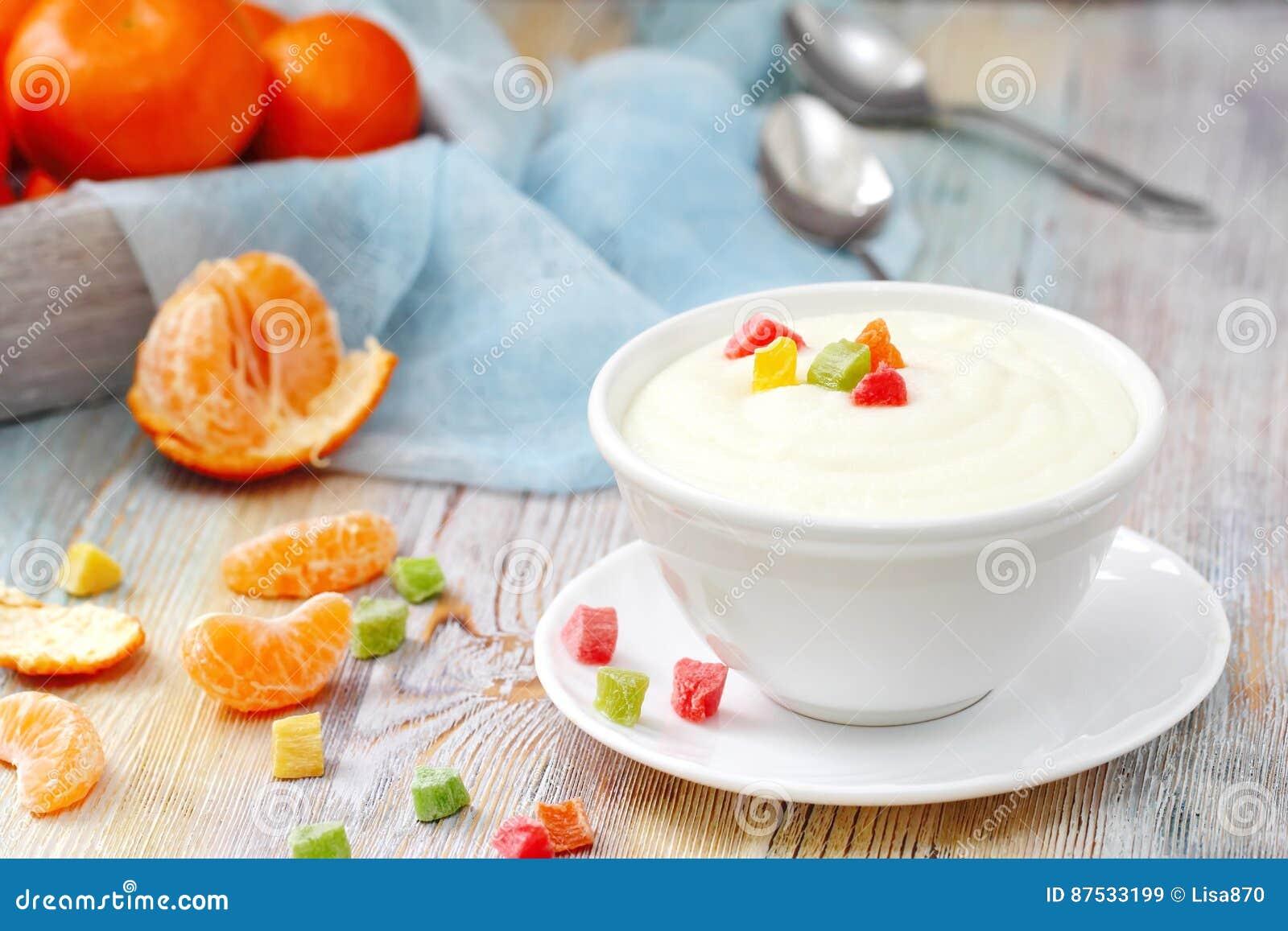 Mannagryn med kanderad frukt