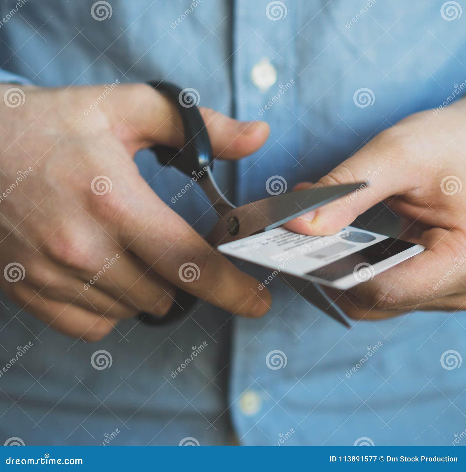 Mannausschnittkreditkarte