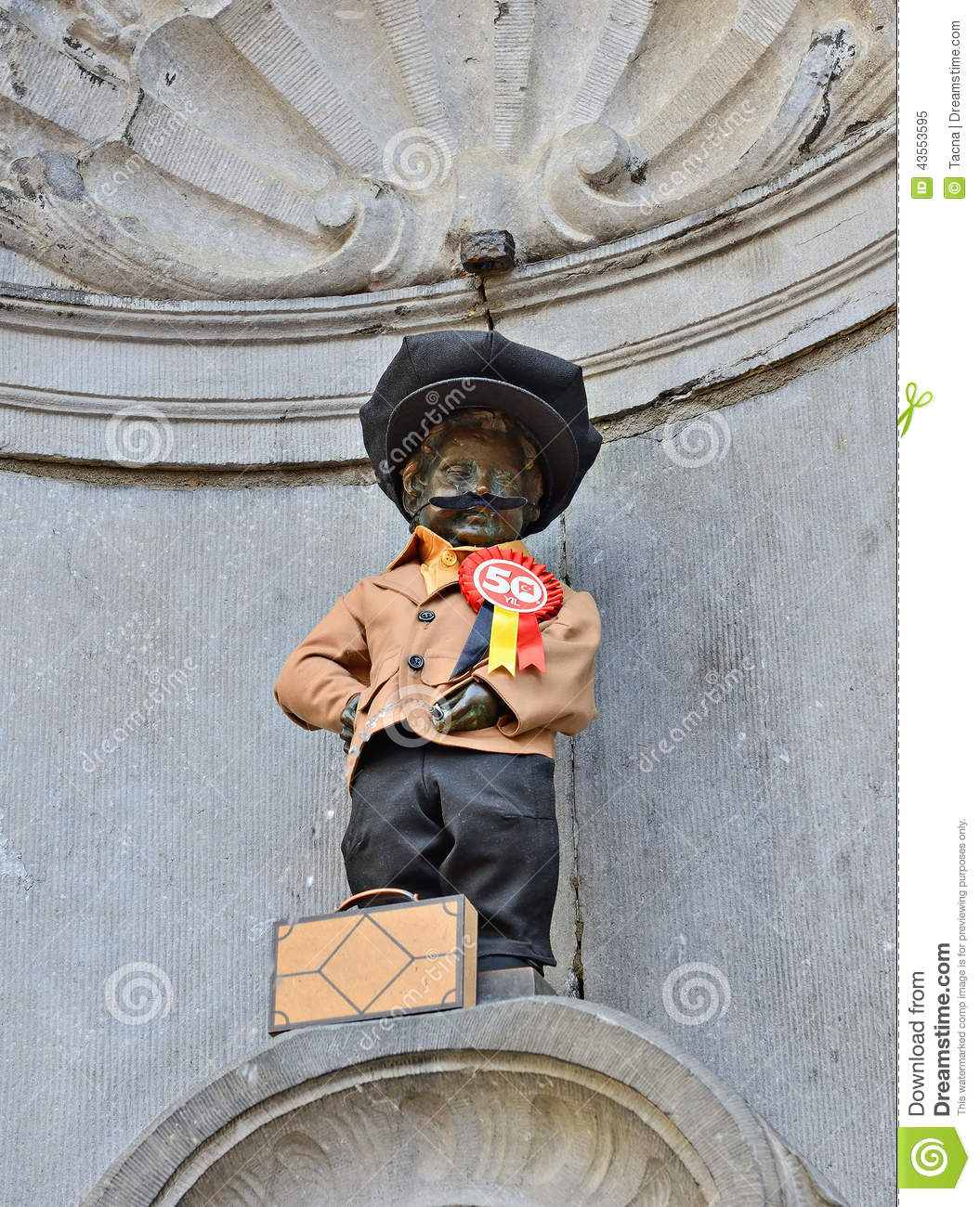 Manneken Pis Awarded A New Costume Editorial Image