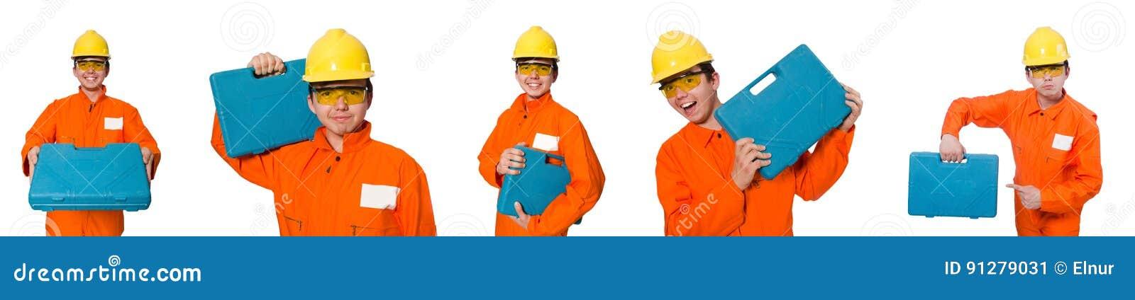 Mannen i orange overaller på vit