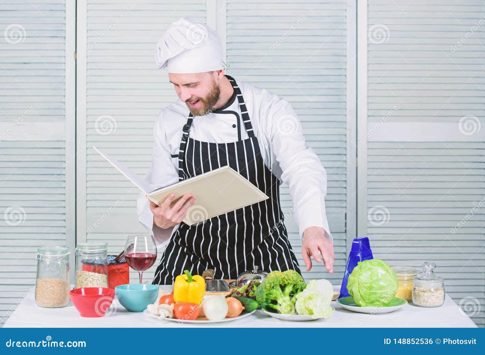 Mannen l?r recept F?rb?ttra att laga mat expertis Bokfamiljrecept Ultimat laga mat handbok f?r nyb?rjare Enligt recept