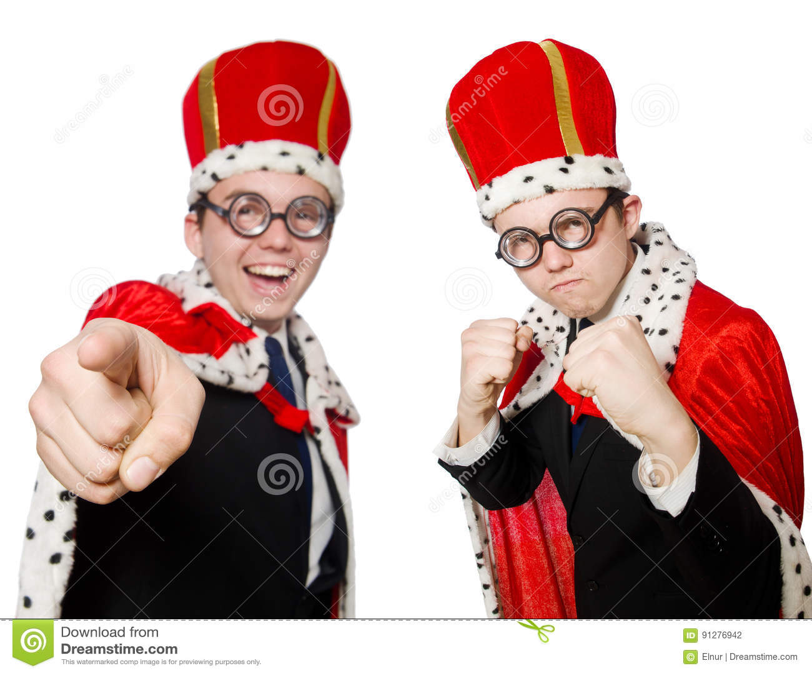 Mannen som pekar hans fingrar som isoleras på vit