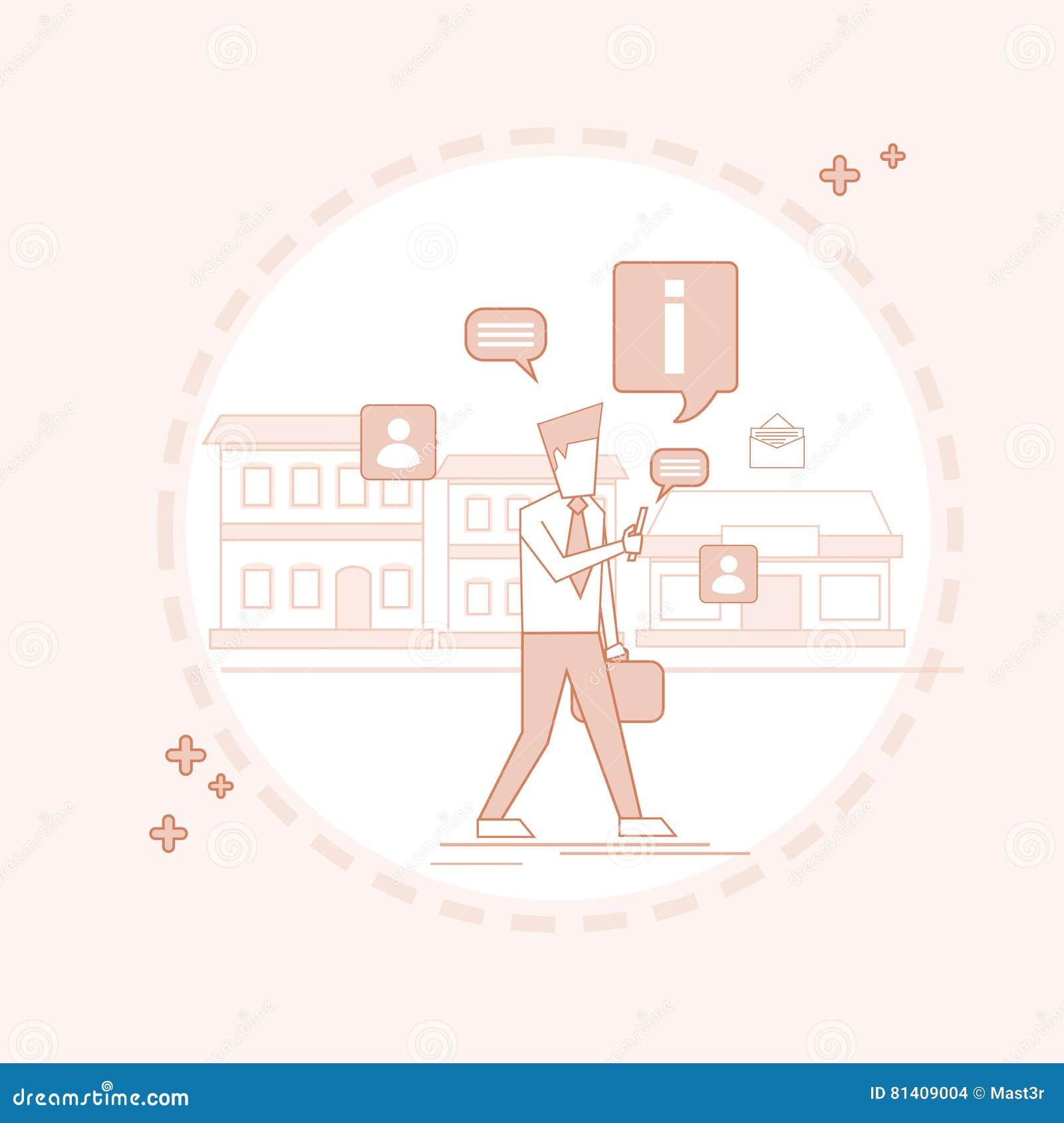 Mannen som pratar gå gatan som smsar, den sociala nätverkskommunikationen fodrar thin