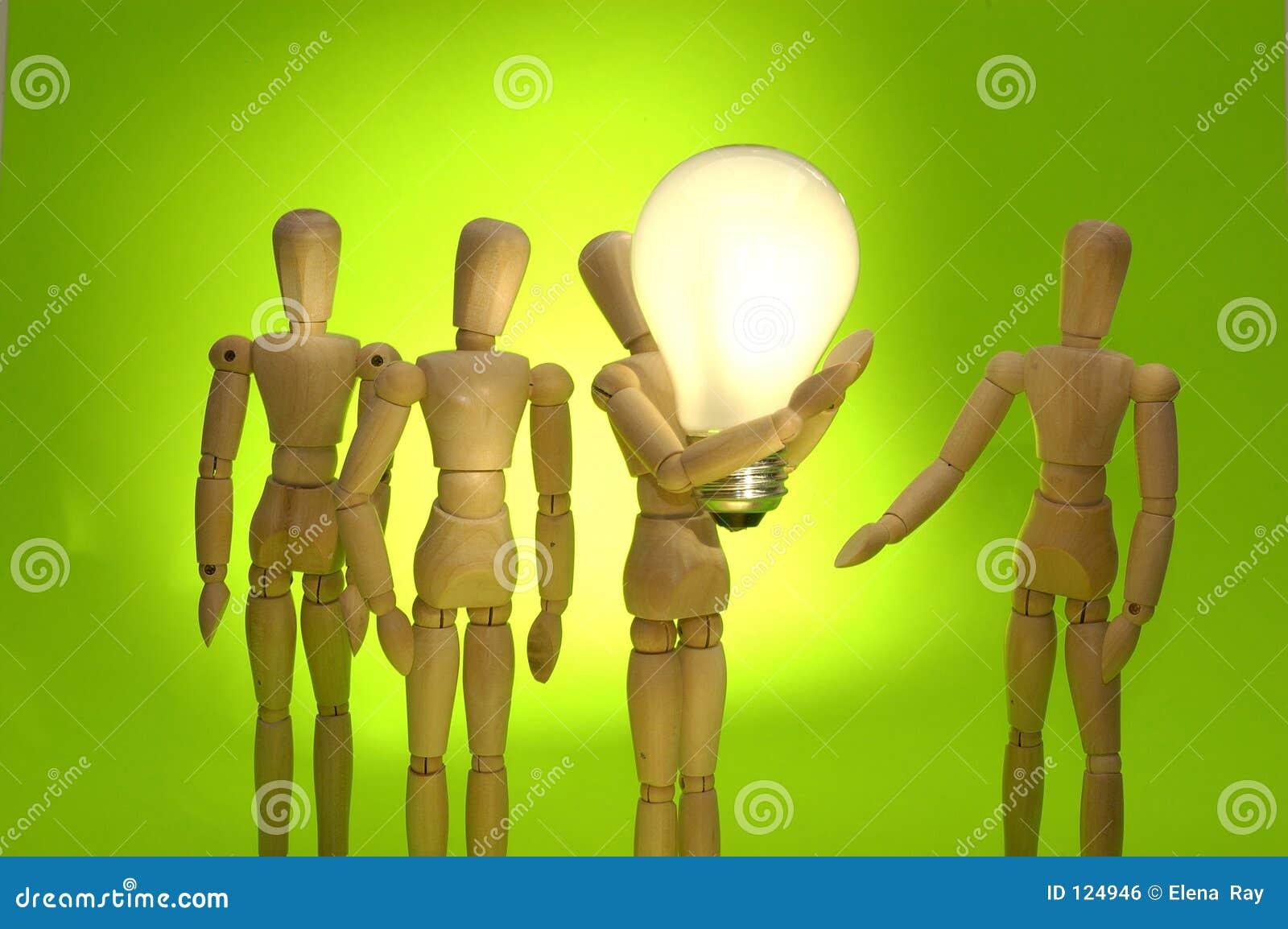 Mannequin-Team, das eine große Idee darstellt