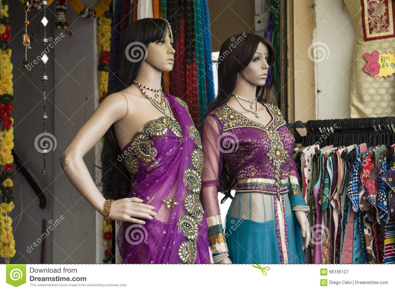 64c2aa01940 Mannequins in a shop with traditional Indian costumes Sari. Georgetown