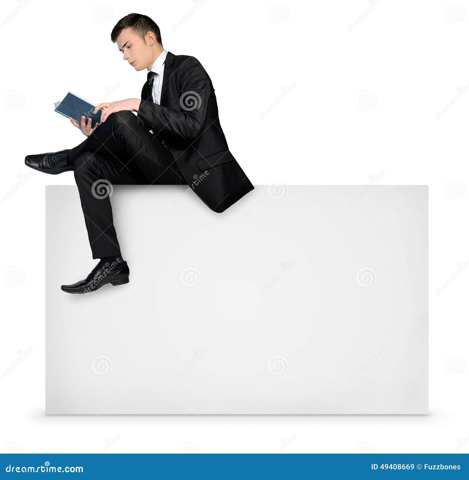Download Mannlesung Auf Leerem Brett Stockbild - Bild von bildschirmanzeige, anschlagtafel: 49408669