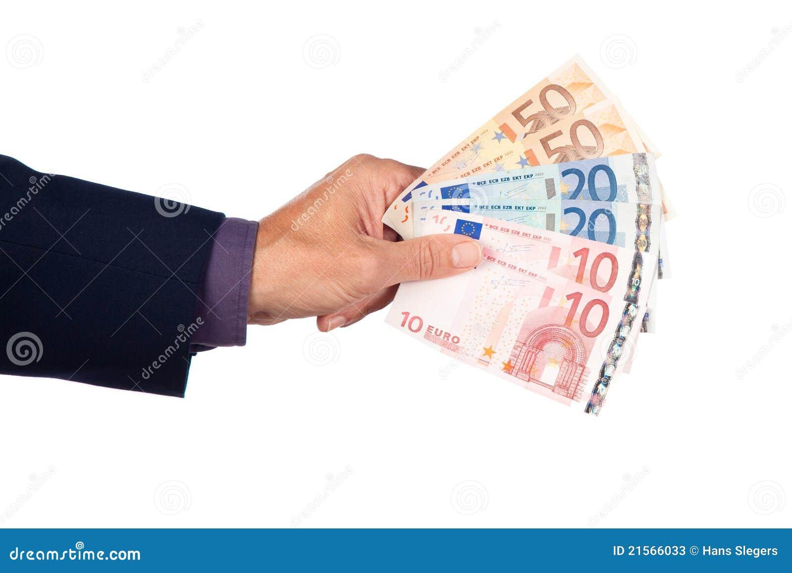 Mano con los billetes de banco euro