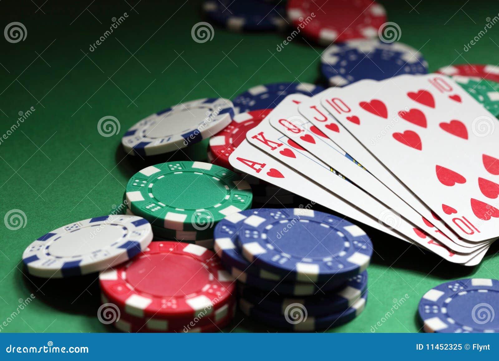 Mano de póker del rubor real