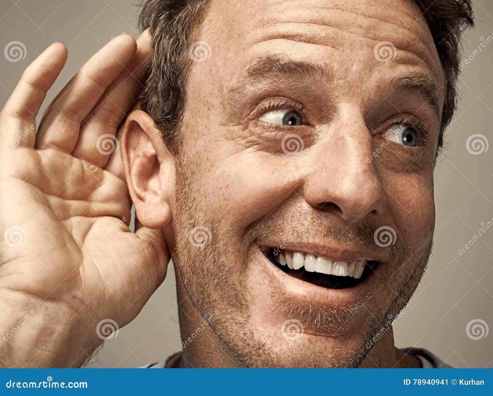 Mano ed orecchio