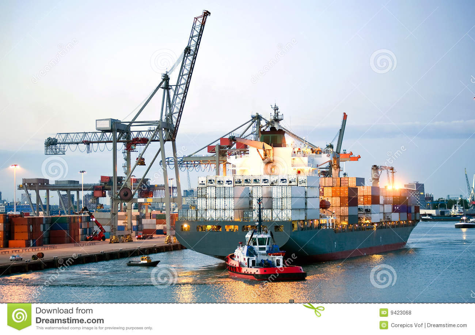 Manoeuvrerend containerschip