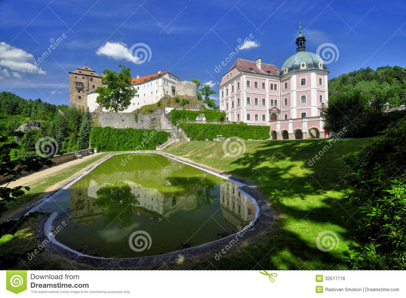 Download Manor Hause Becov Nad Teplou Stock Photo - Image of castle, chateau: 32517718