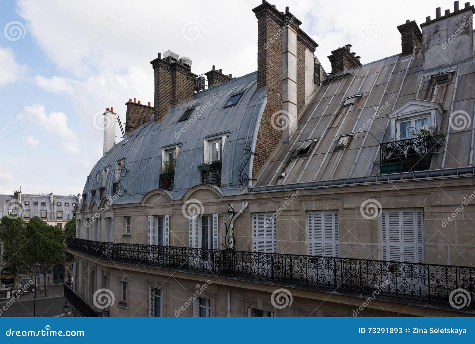 Mansarde di parigi immagine stock immagine di france for Prezzi mansarde