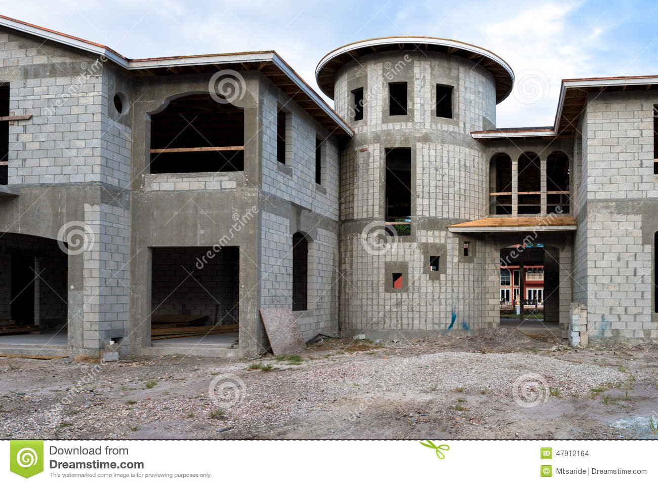 Mansion home under construction stock photo image 47912164 for Cinder block house construction