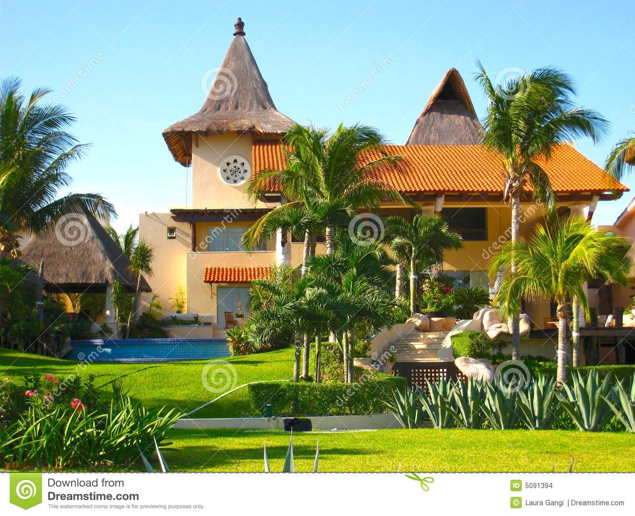 Mansion in tropical vacation resort stock images image for Vacation mansions