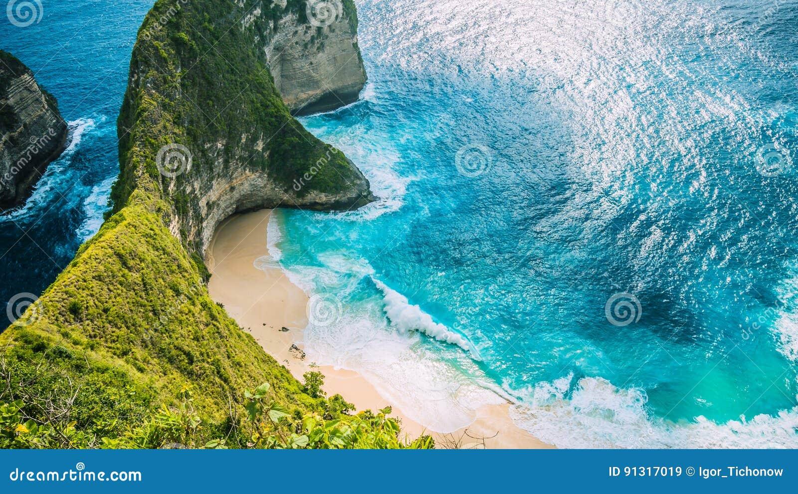 Manta-Bucht oder Kelingking-Strand auf Insel Nusa Penida, Bali, Indonesien