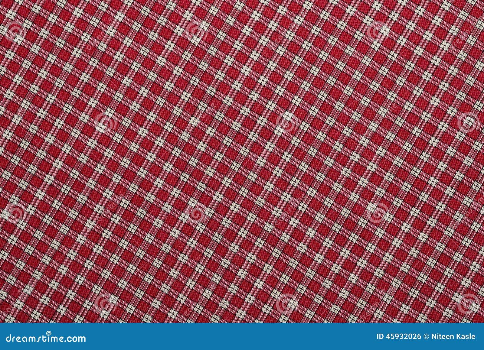 Manta vermelha e branca