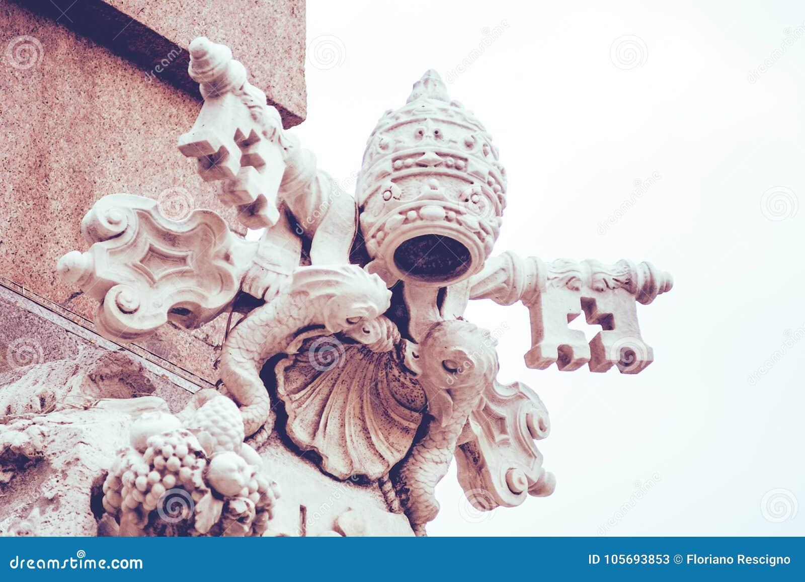 Manteau de sculpture des bras papal, Rome