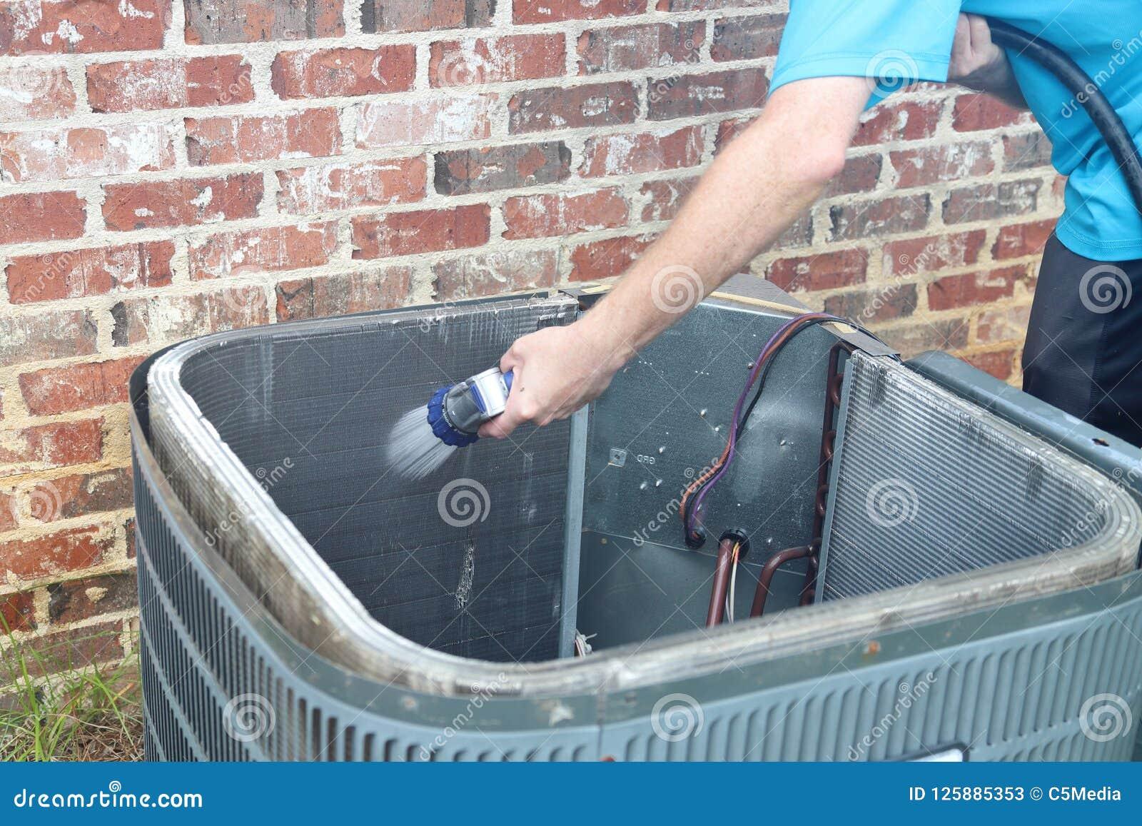 Mantenimiento del acondicionador de aire, bobina del condensador del compresor
