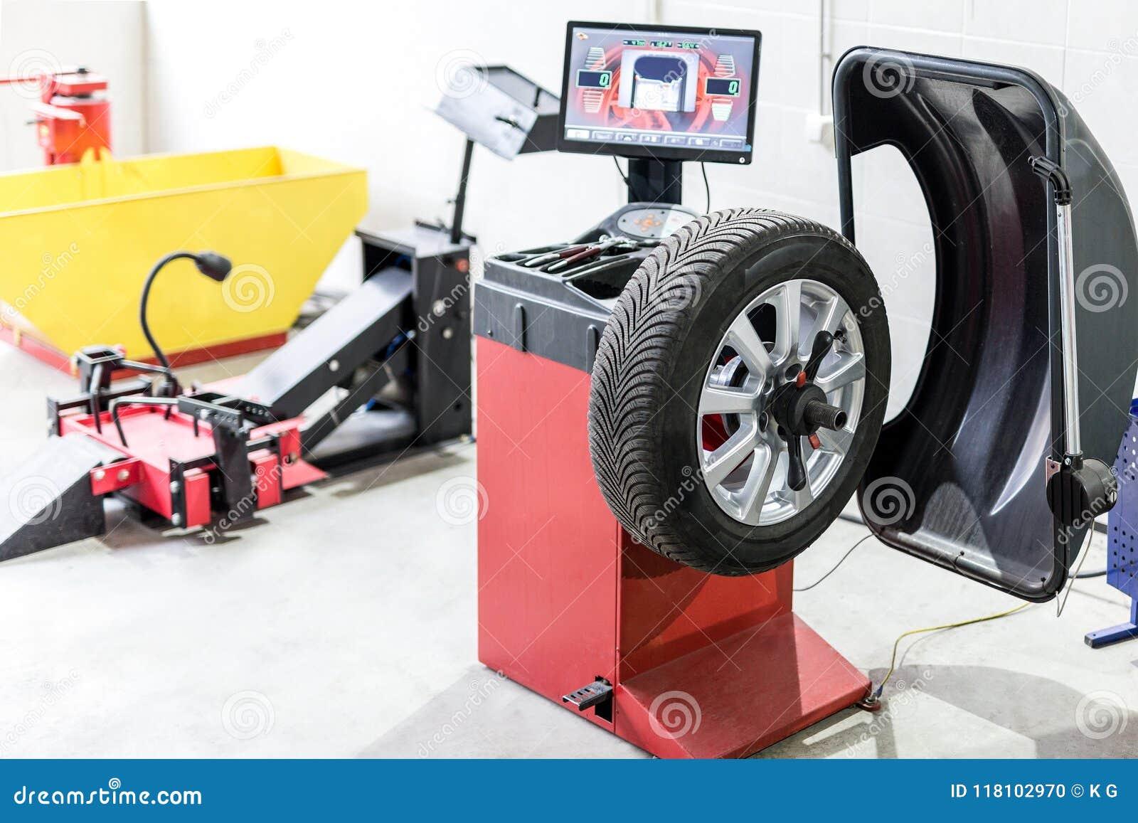Mantenimiento del coche y centro de servicio Equipo de la reparación y del reemplazo del neumático del vehículo Cambio estacional
