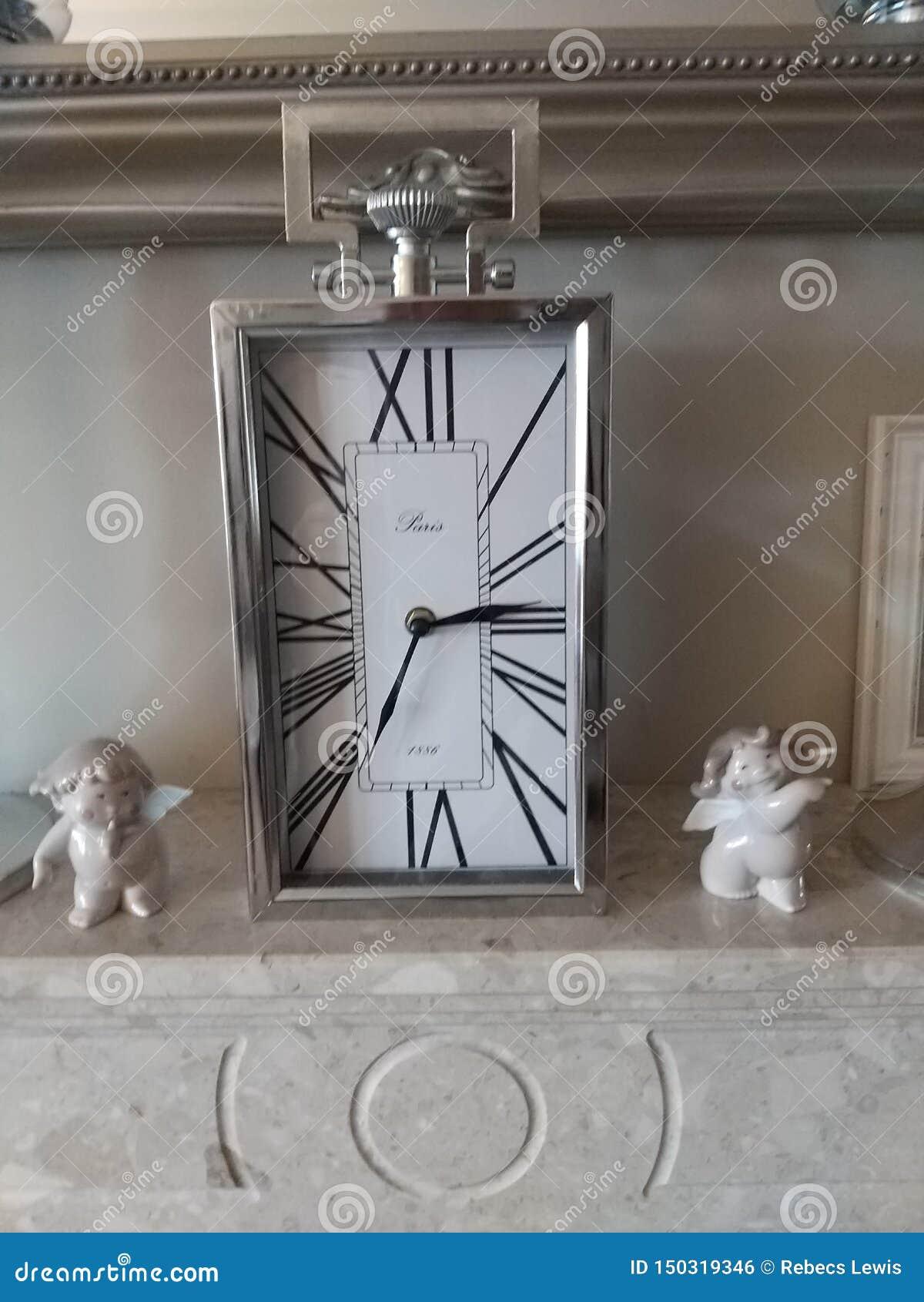 Mantle/frachtu zegar