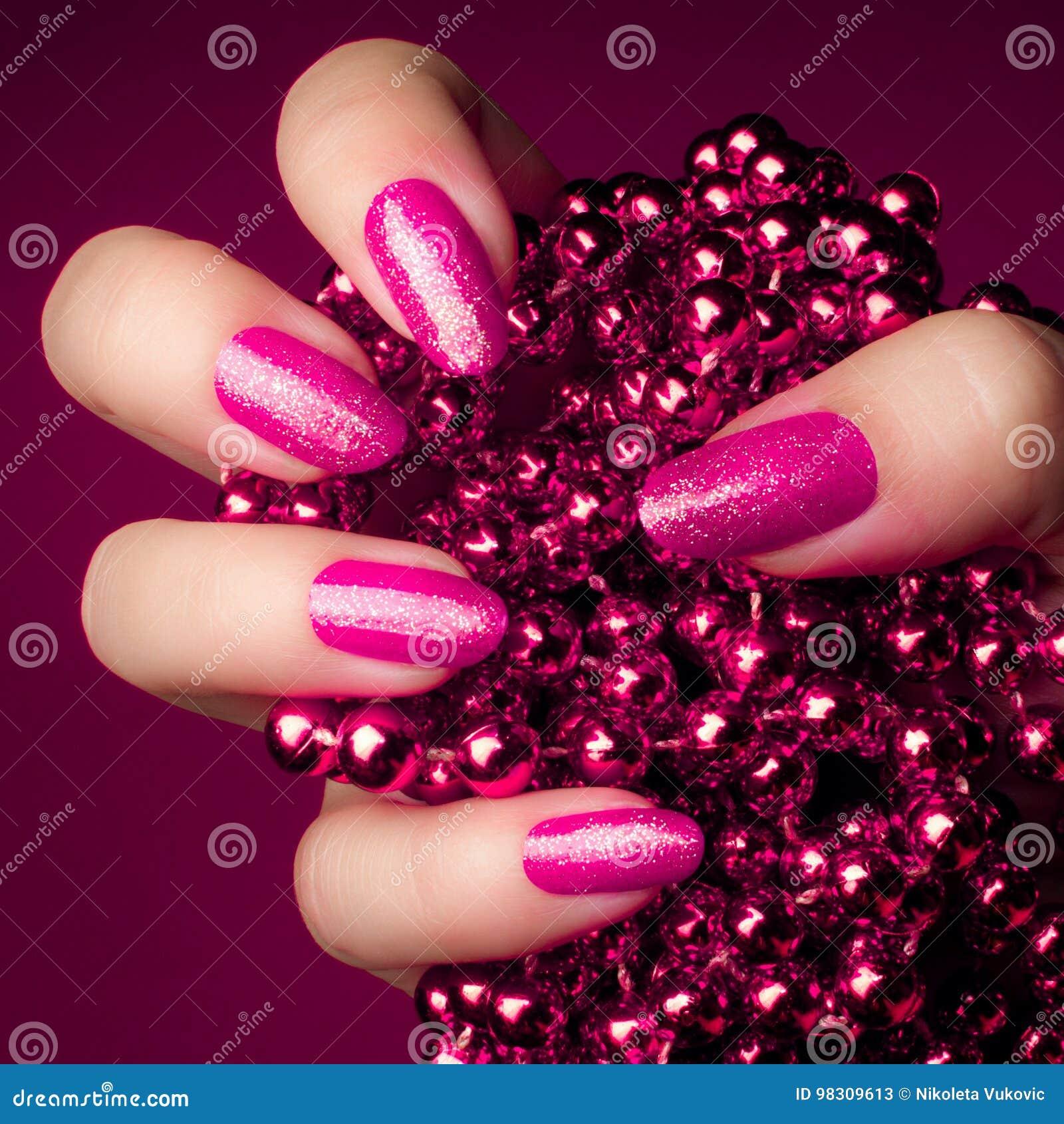 Manucure rose d ongles