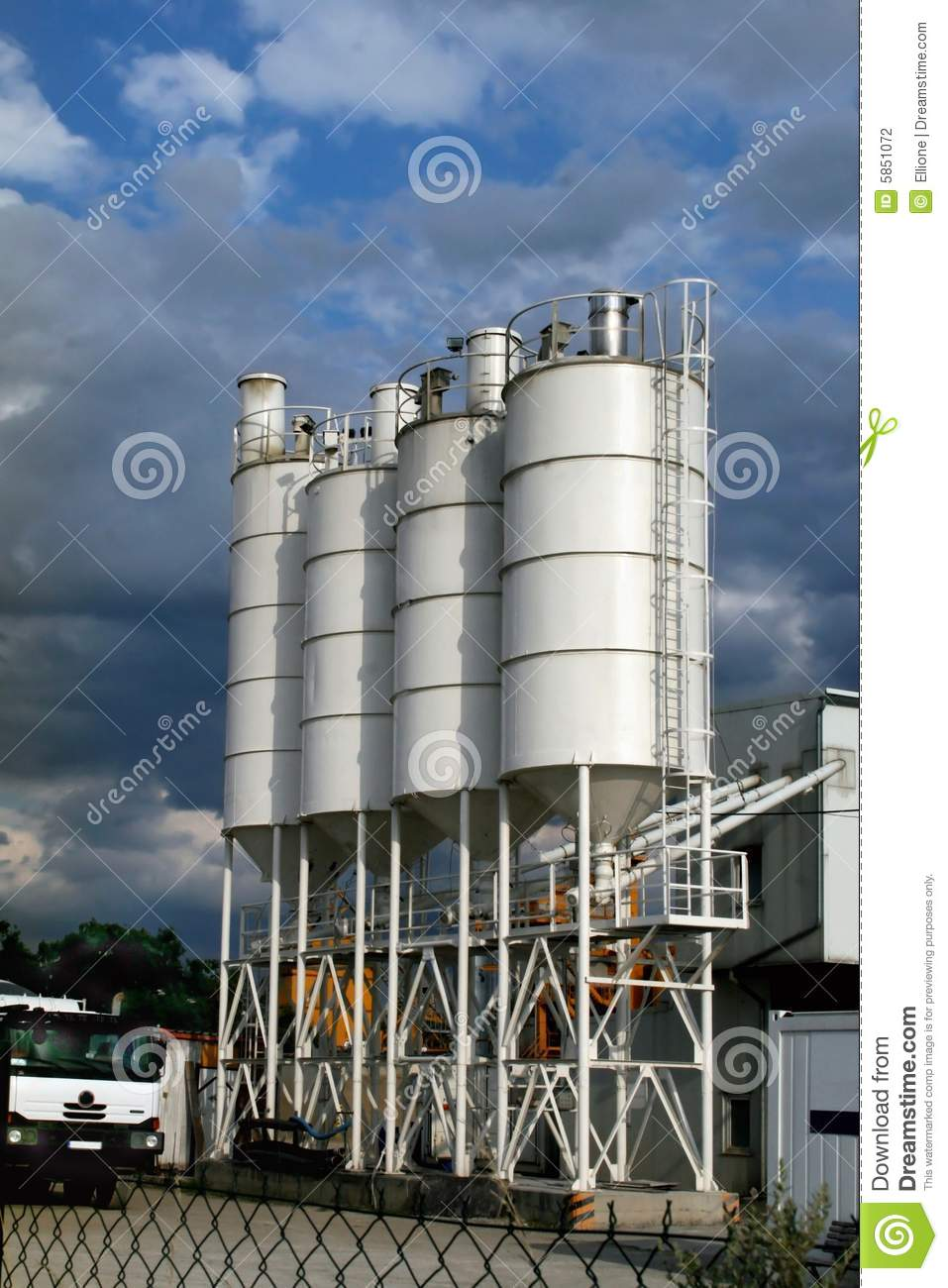 Cement Manufacturing Plants United States : Manufacturing cement stock photography image