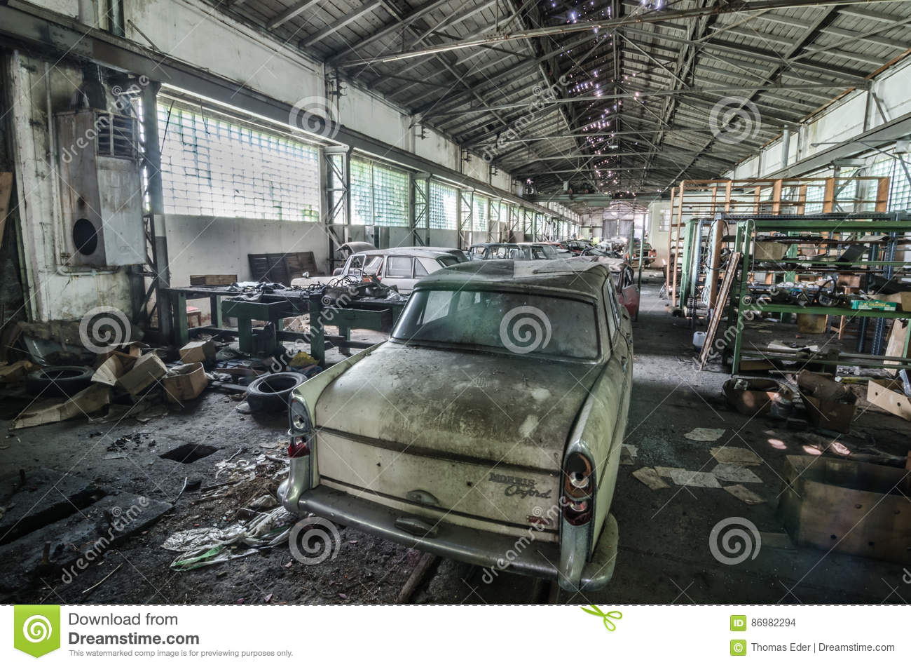 Many Old Classic Cars In Abandoned Workshop Editorial Stock Image ...