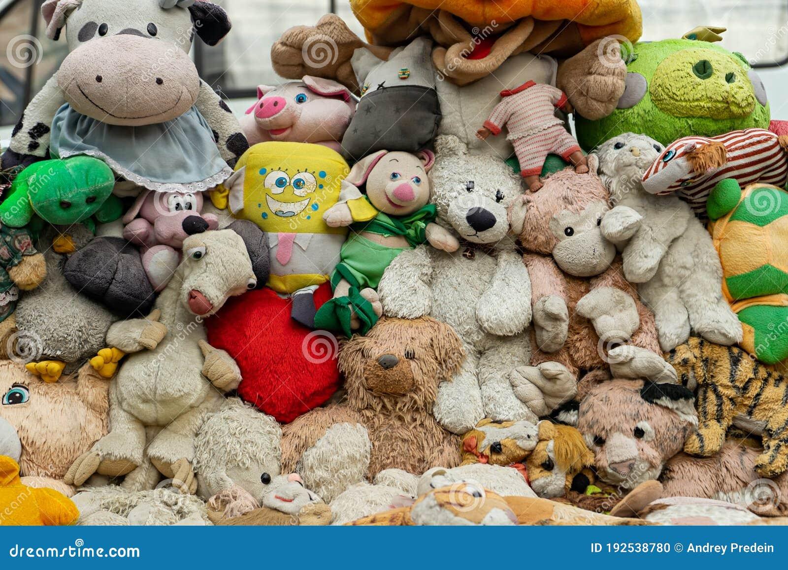 Many Stuffed Animal Toys Background Editorial Image Image Of Pile Flea 192538780