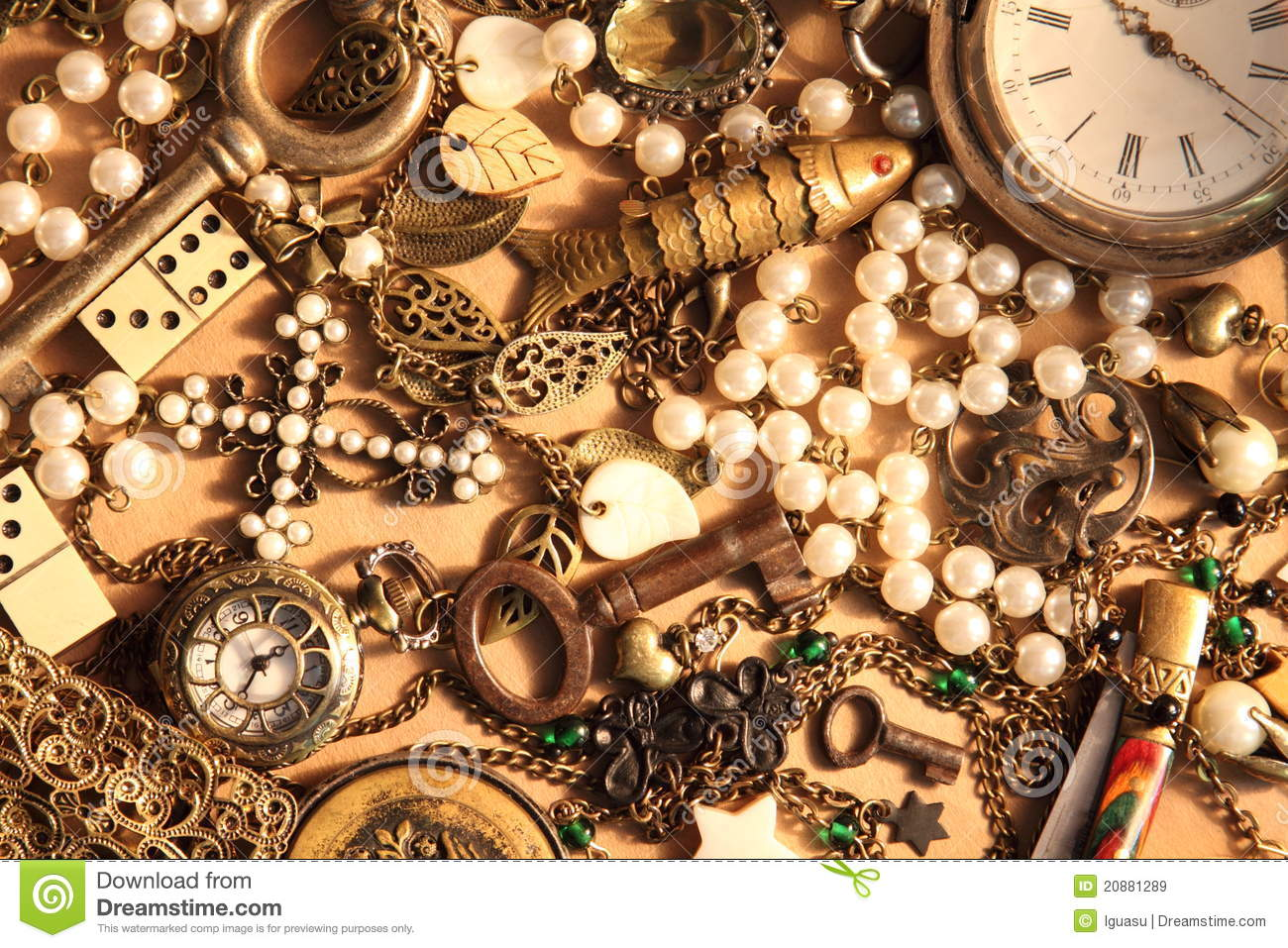 Vintage things and jewelry royalty free stock images image 20881289