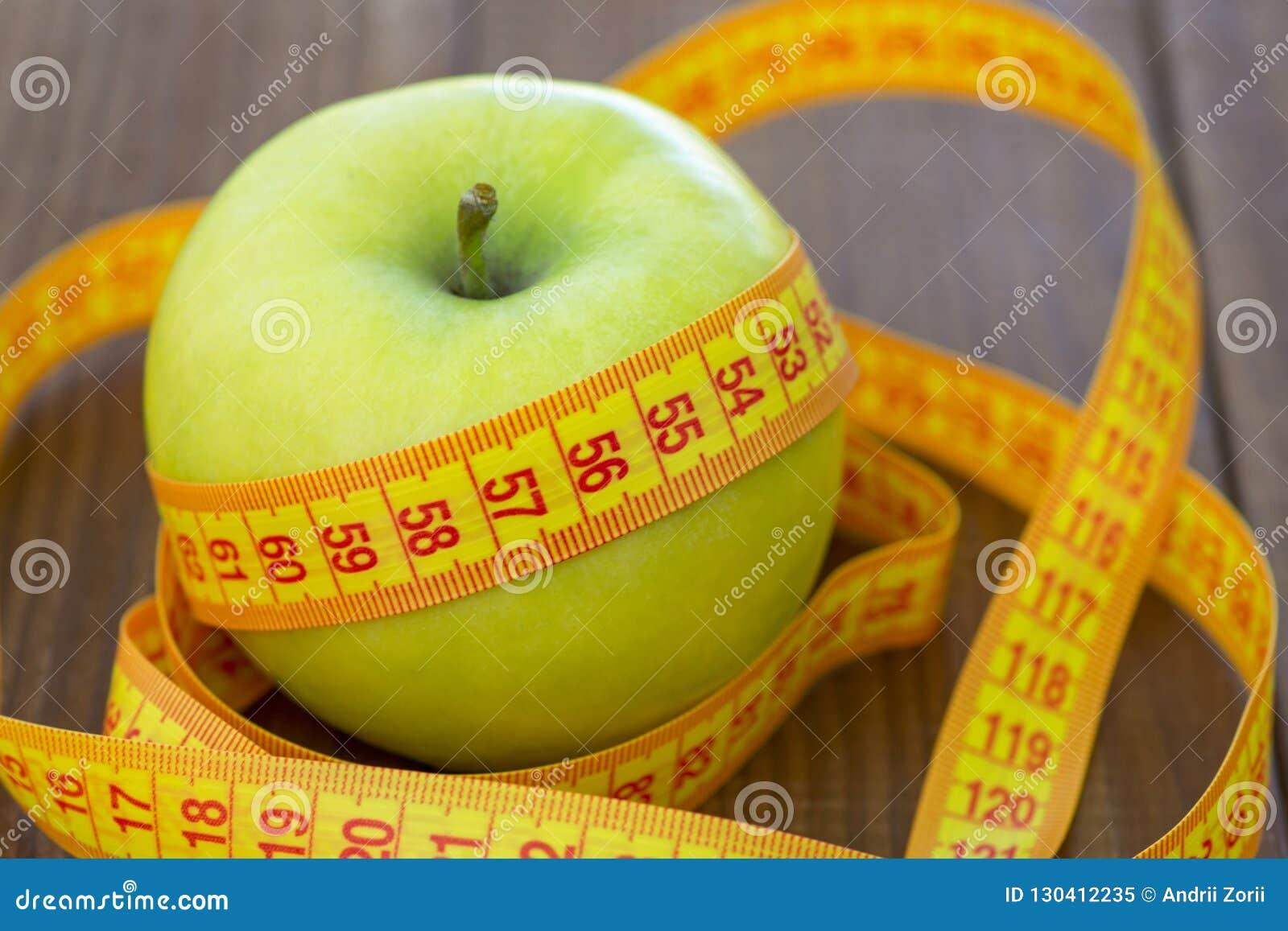 Puedo bajar de peso comiendo manzana
