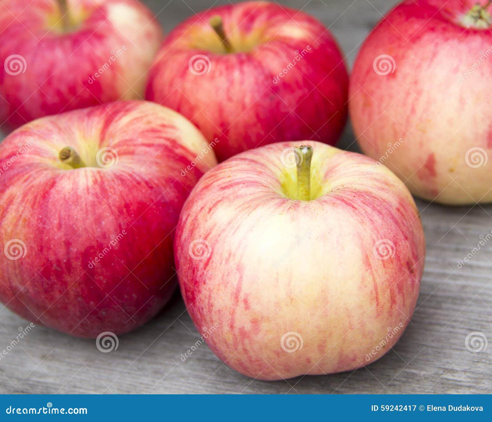 Download Manzanas rojas imagen de archivo. Imagen de dieta, jugoso - 59242417