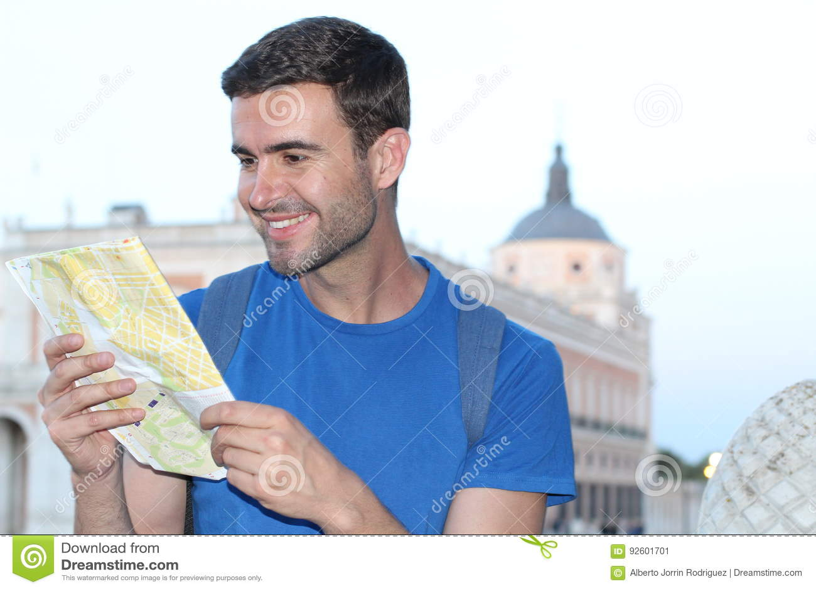 Mapa alegre da leitura do turista com espaço da cópia
