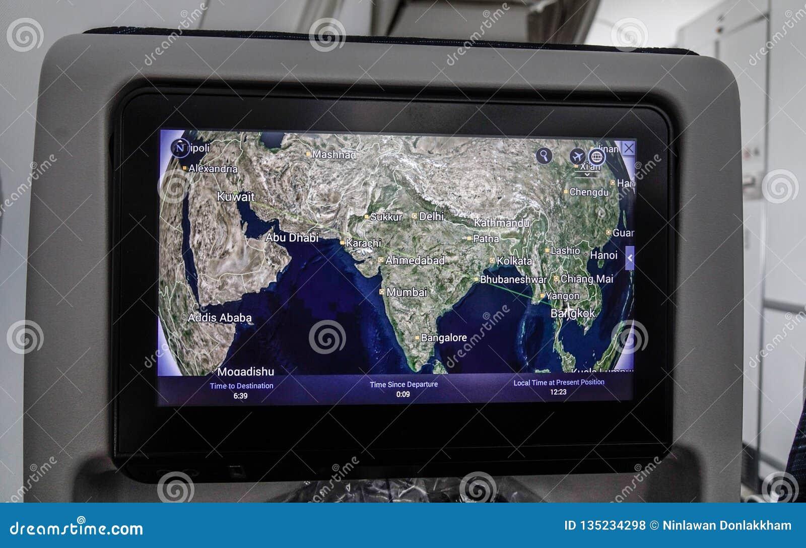 Mapa colorido do voo na tela do monitor do LCD
