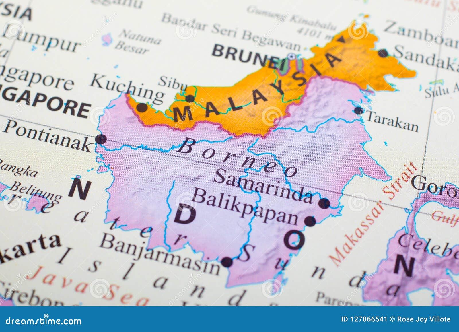 Mapa de Malásia no meio de Brunei Darussalam e de Bornéu