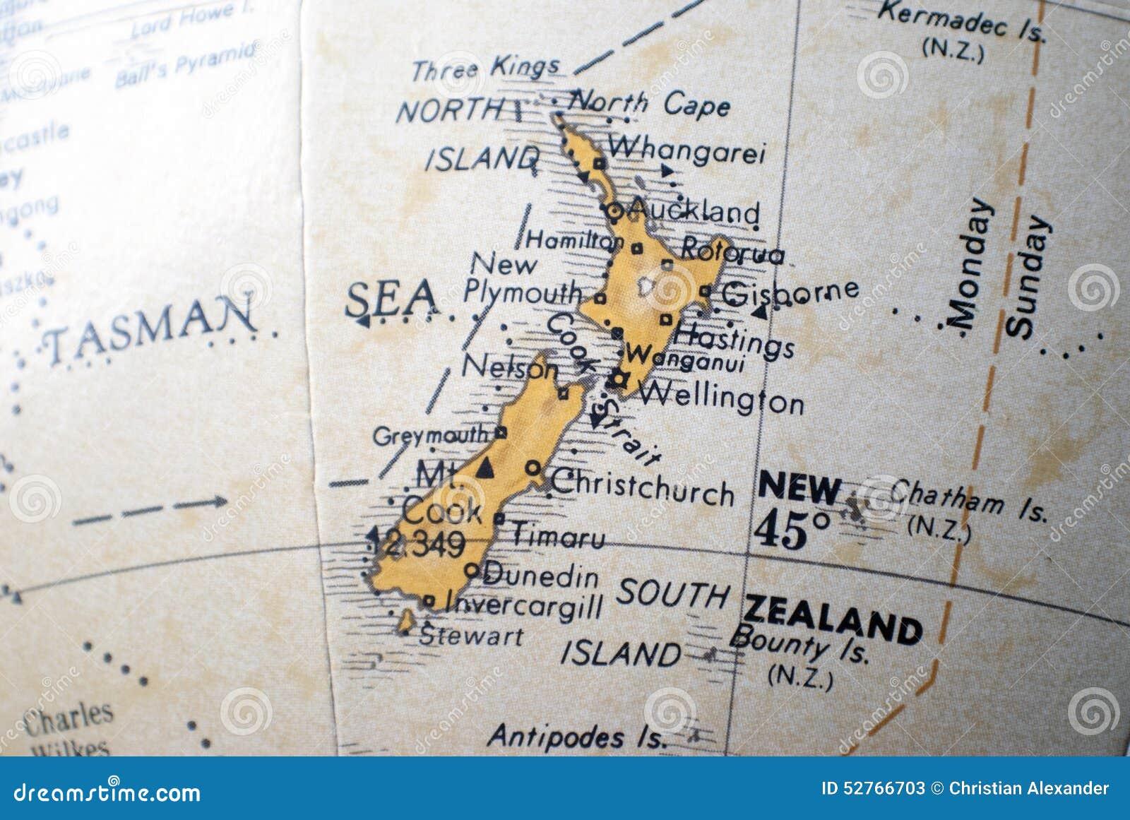 Mapa de Nova Zelândia em um globo do mundo