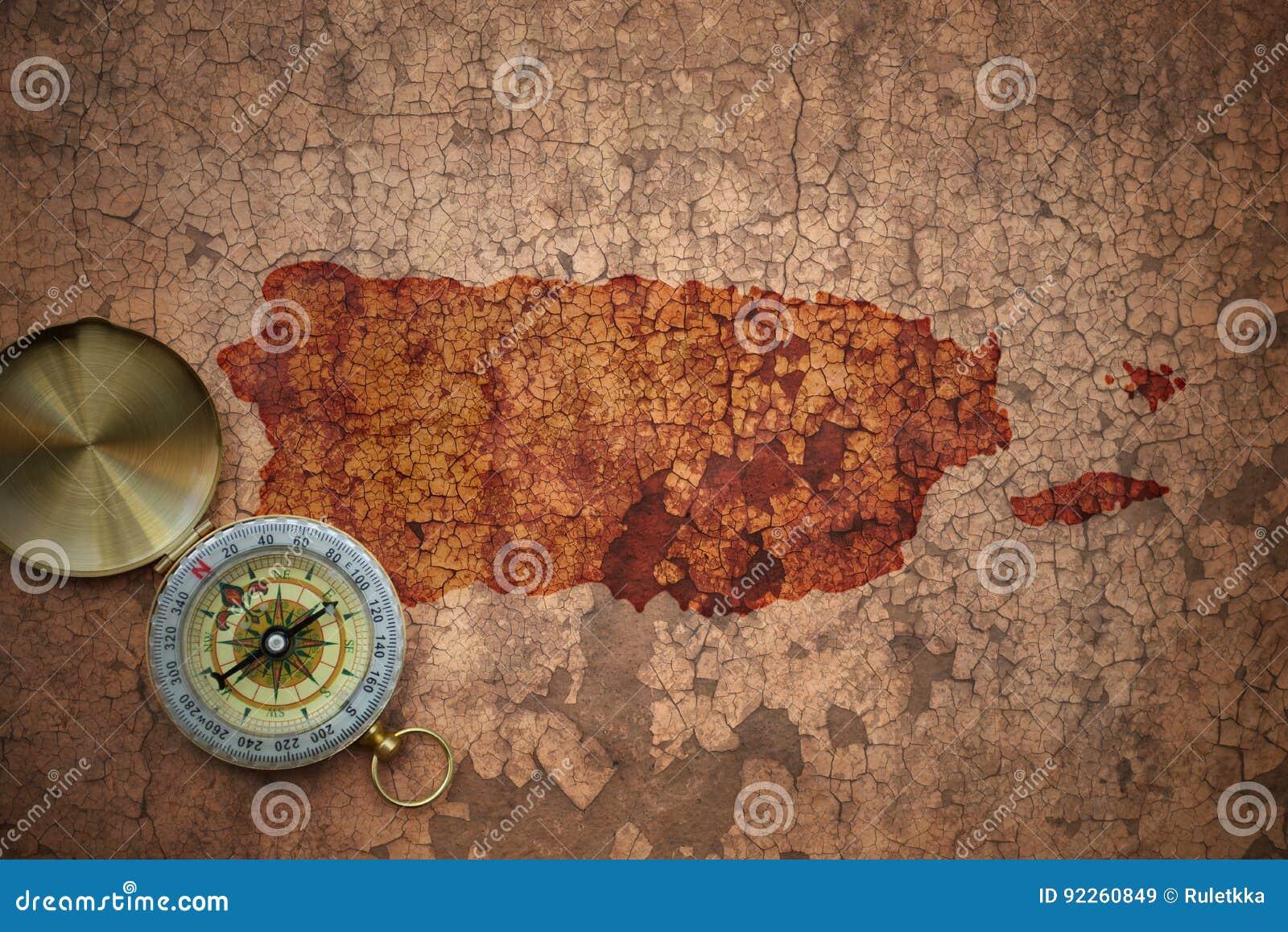 Mapa de Puerto Rico en un papel viejo de la grieta del vintage