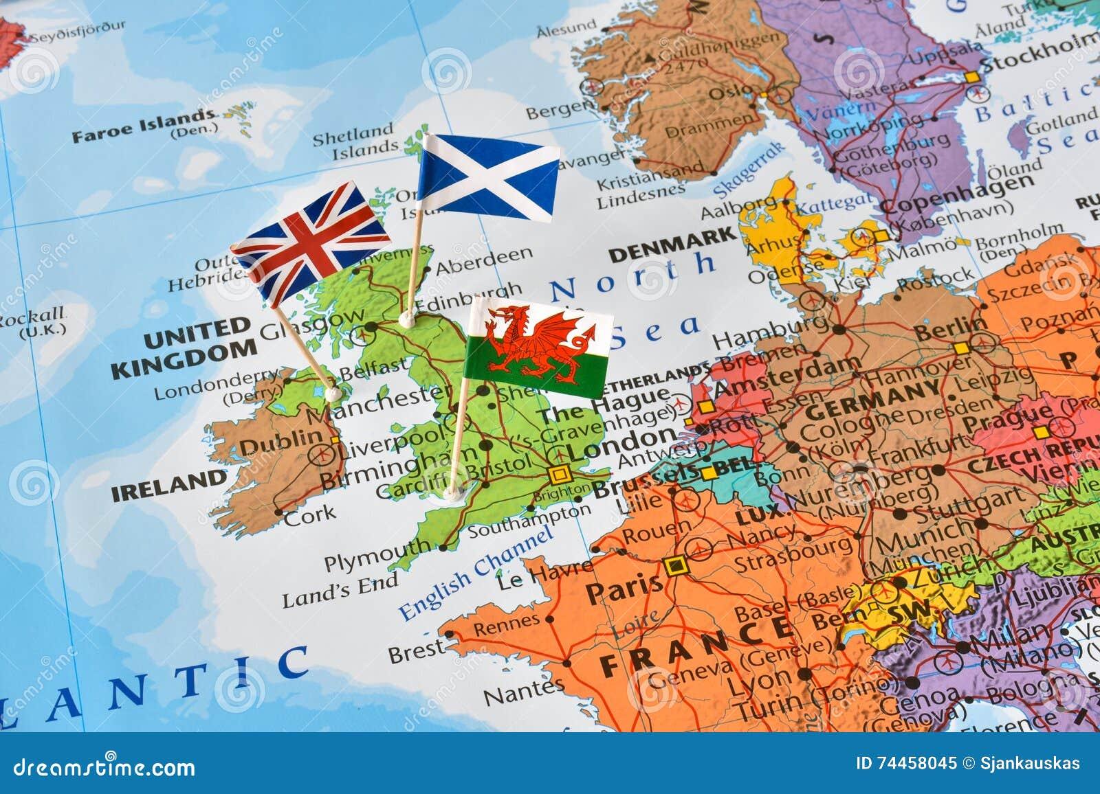 Mapa De Reino Unido Banderas De Inglaterra Escocia Pais De