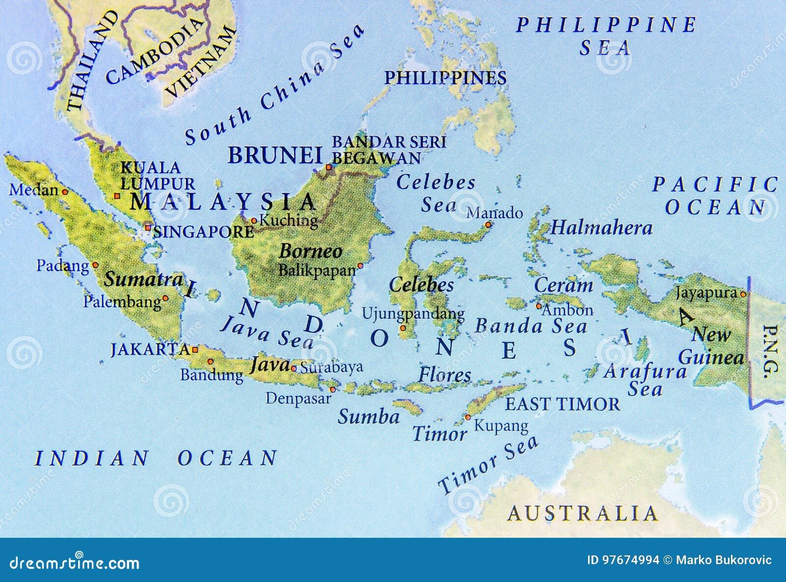 Mapa geográfico de Malásia, de Brunei Darussalam e de Indonésia com cidades importantes