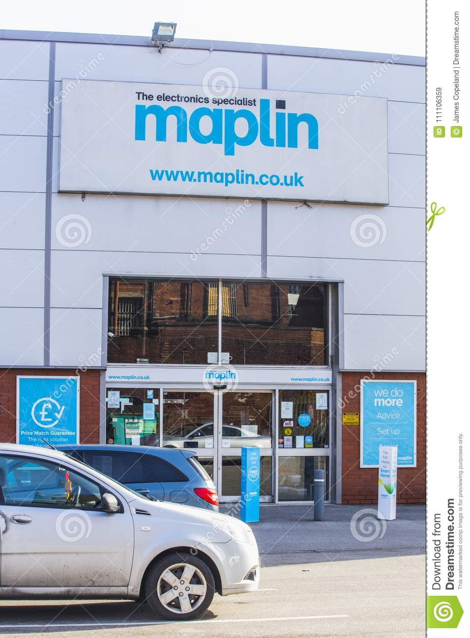 Maplin Electronics Store In Leeds, UK Editorial Stock Image