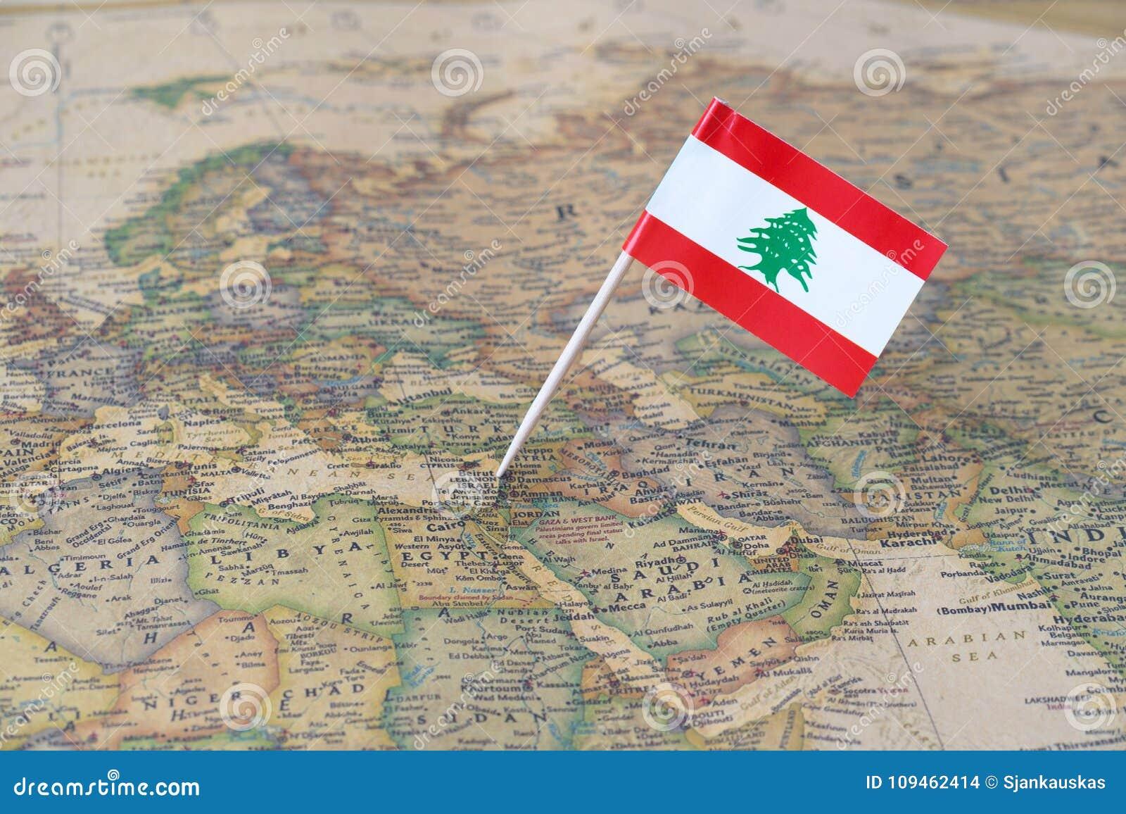 Cartina Del Libano.Mappa Del Libano E Perno Della Bandiera Fotografia Stock Immagine Di Individuato Libanese 109462414