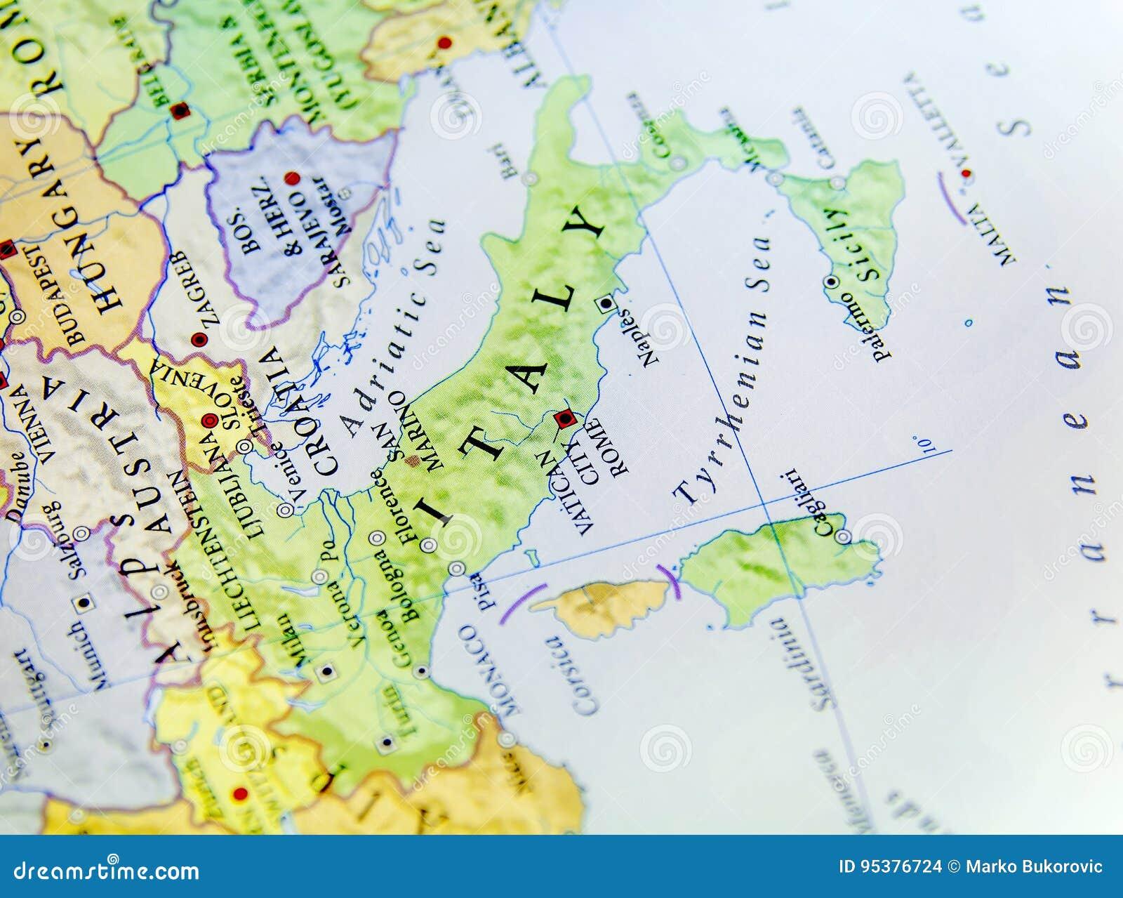 Cartina Geografica Europa Budapest.Mappa Geografica Di Paese Europeo Italia Con Le Citta Importanti