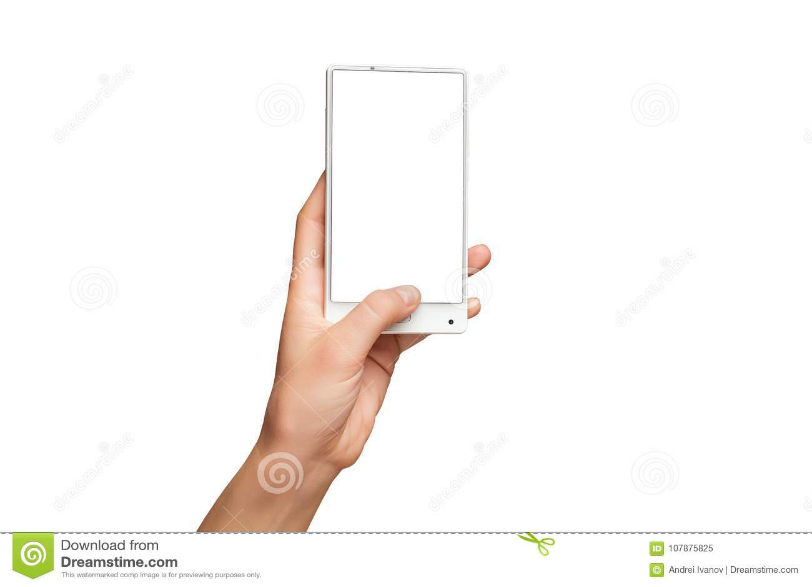 Maqueta de la mano femenina que sostiene el teléfono móvil blanco moderno con la pantalla en blanco