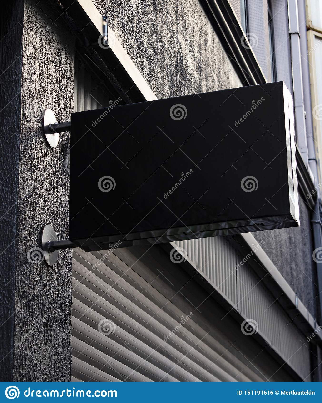 Maquette d enseigne et cadre vide de calibre pour le logo ou texte sur le fond extérieur de magasin de ville de la publicité de r