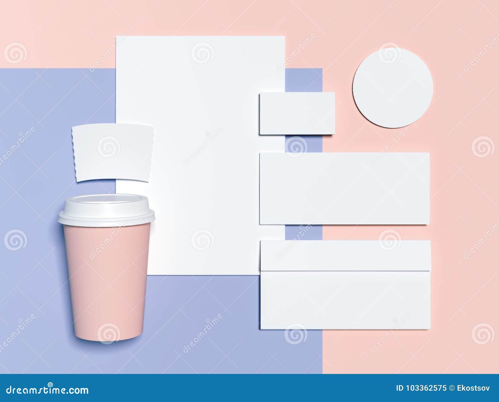 Maquette De Marquage A Chaud Bleu Rose Avec Les Pages Blanches Du Papier Lenveloppe Et Des Cartes Visite Professionnelle Rendu 3d