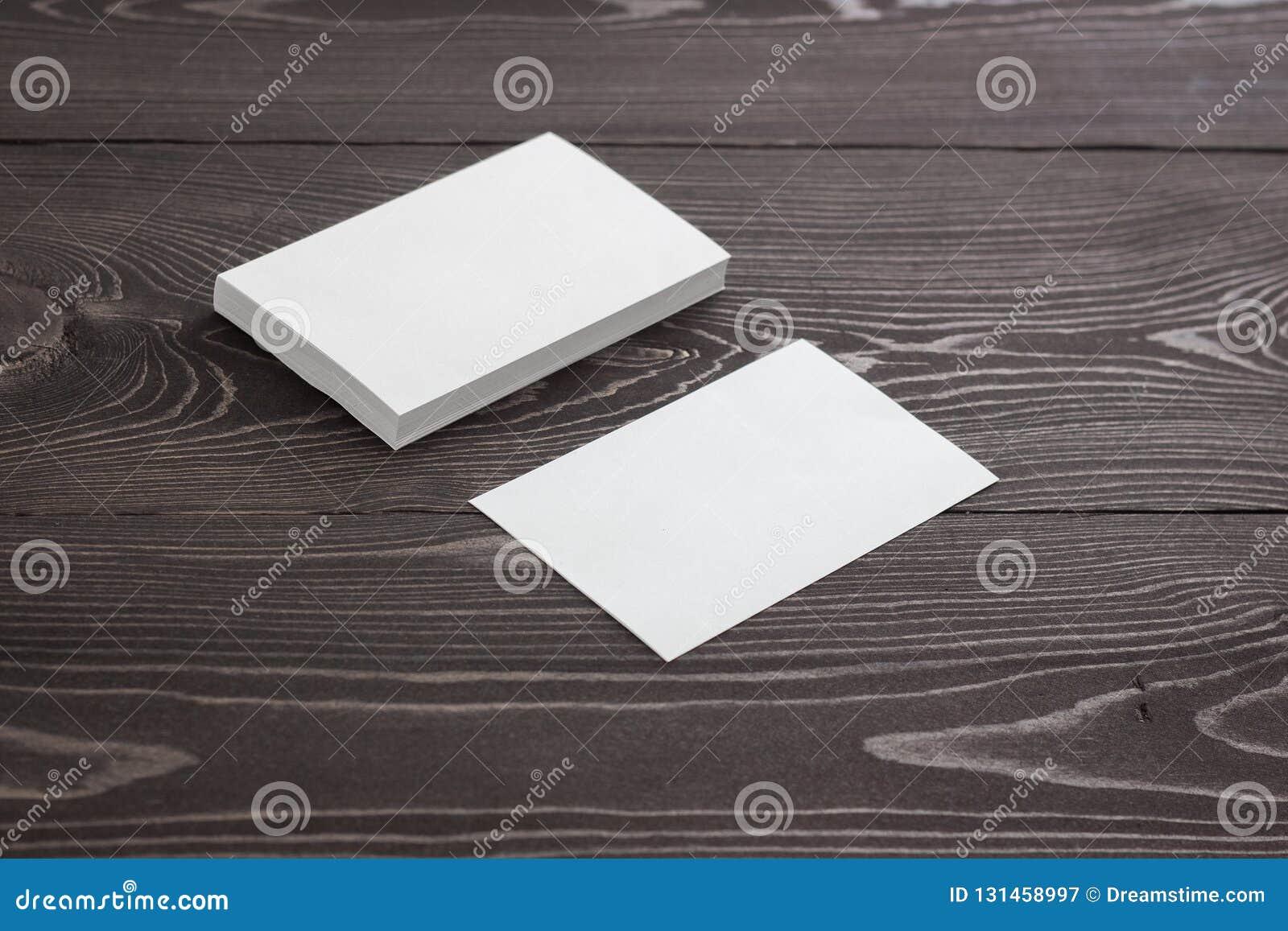 Maquette des cartes de visite professionnelle de visite, photo de pile de cartes de visite professionnelle de visite sur un fond