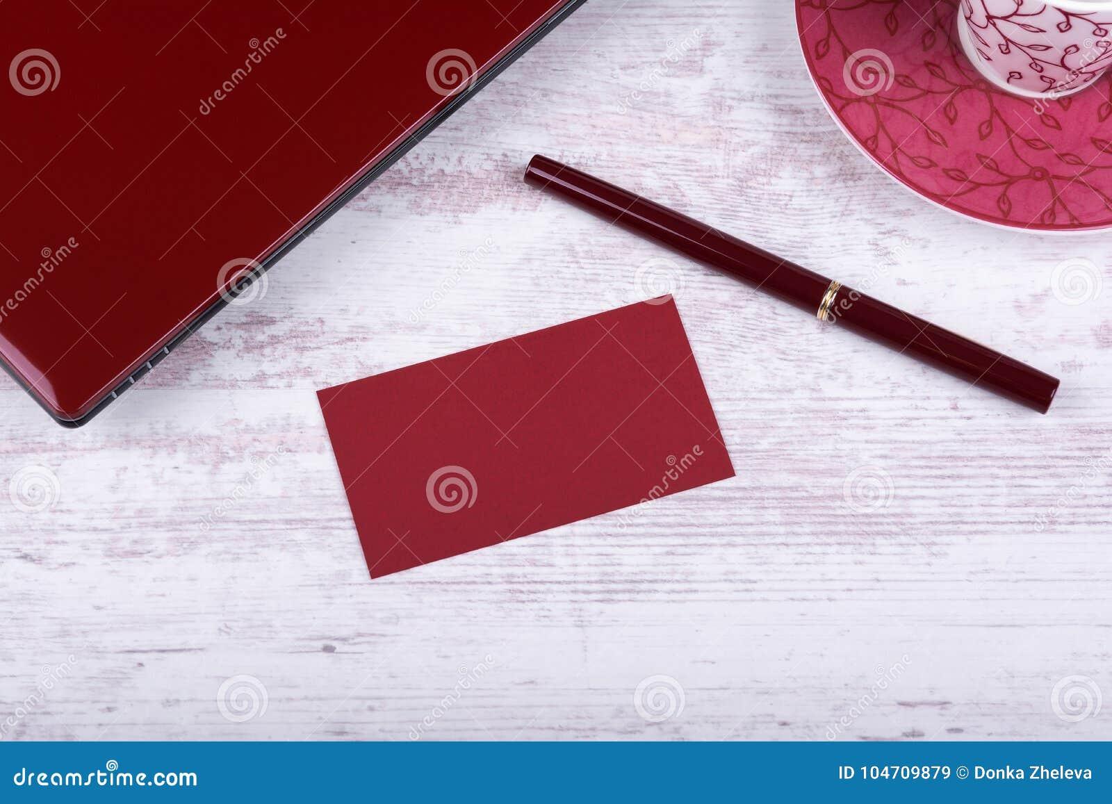 Maquette Vide De Carte Visite Professionnelle Tasse Rouge Stylo D Ordinateur