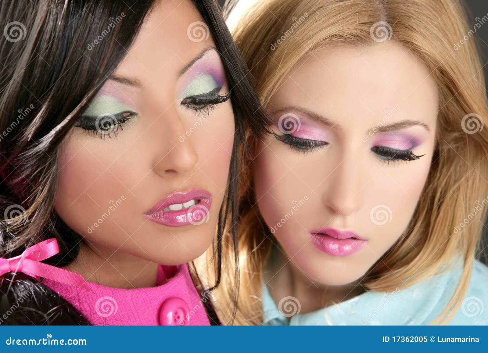 Maquillaje Del Fahion Del Estilo De Los Años 80 De La Muñeca De Las